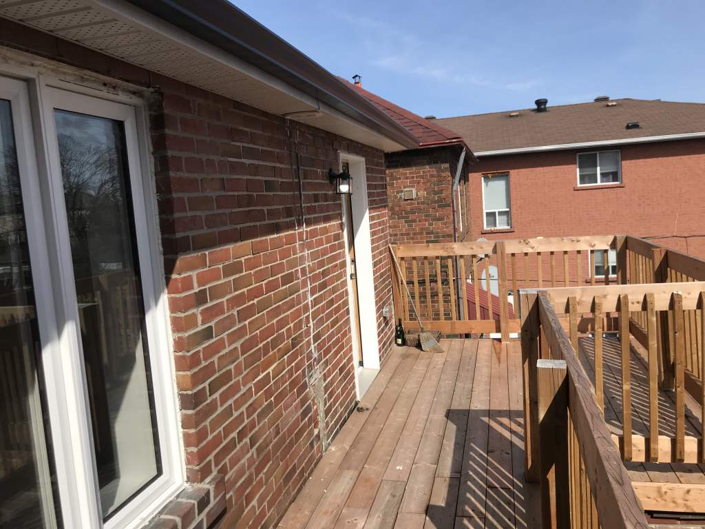Large deck-walk out from Kitchen