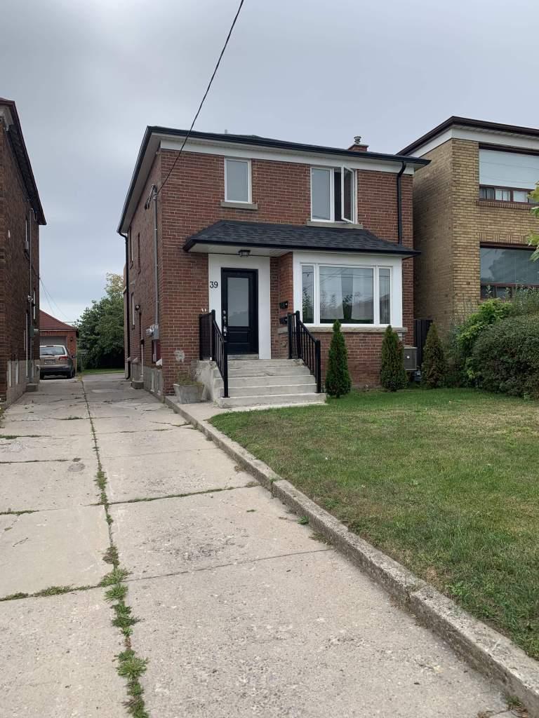 Toronto Triplex pour le loyer, cliquer pour plus de détails...