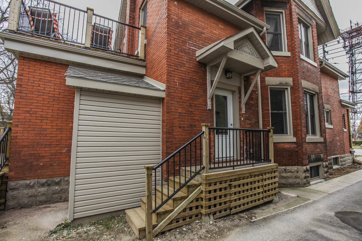 London Ontario Duplex for rent, click for details...