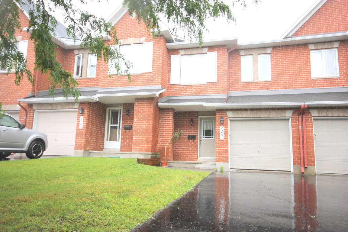 Ottawa Ontario Townhouse for rent, click for details...