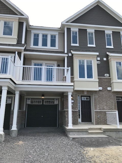 Ottawa Townhouse for rent, click for more details...