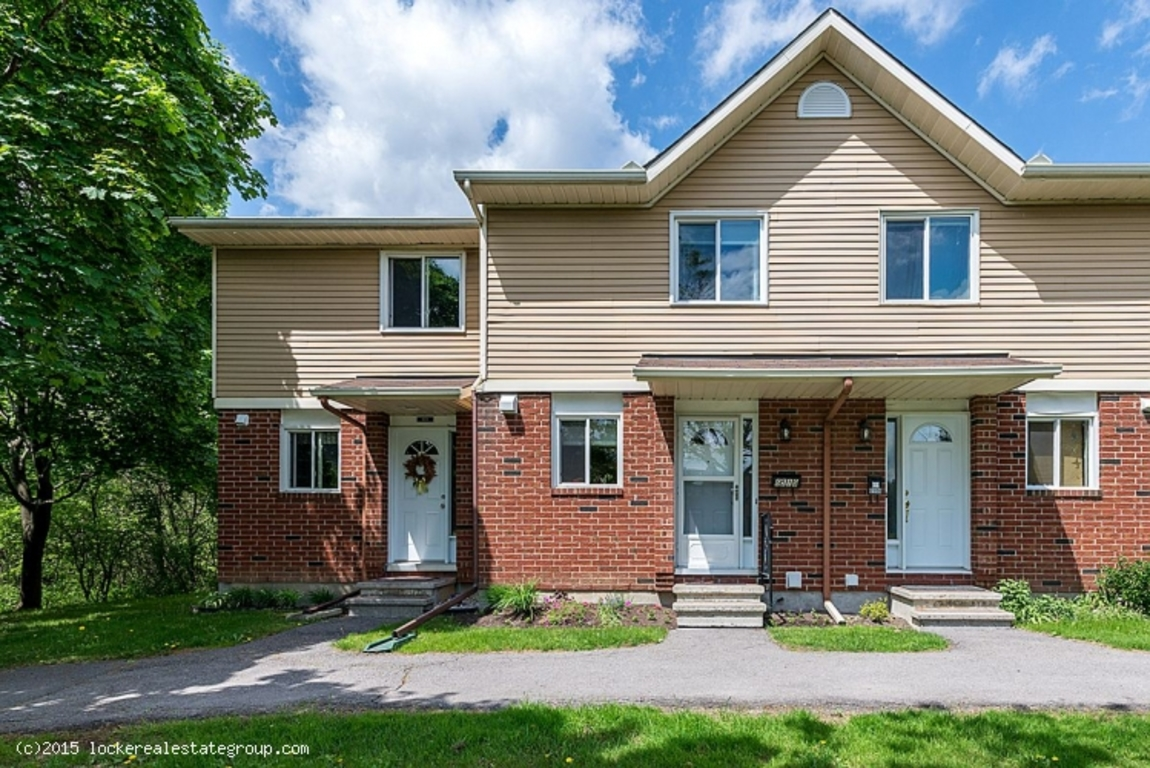 2 Bedrooms Ottawa East Townhouse For Rent