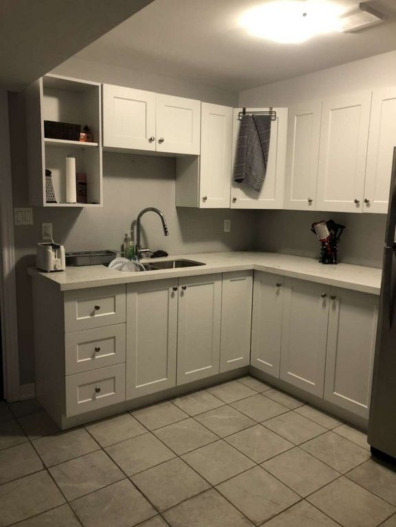 St. Catharines Room for rent, click for more details...