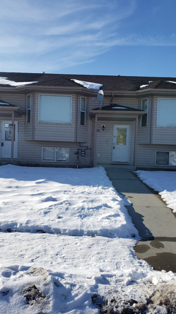 Home For Rent in  22 Kenny Close, Red Deer, AB