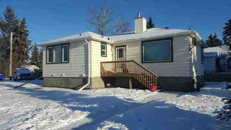 Apartment Building For Rent in  5138 49 Street, Olds, AB
