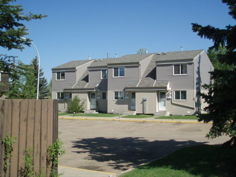 2 Bedrooms Edmonton West Townhouse For Rent