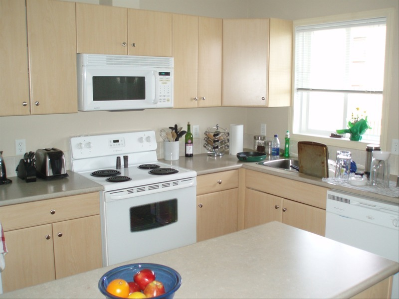 Fort McMurray Alberta Townhouse for rent, click for details...
