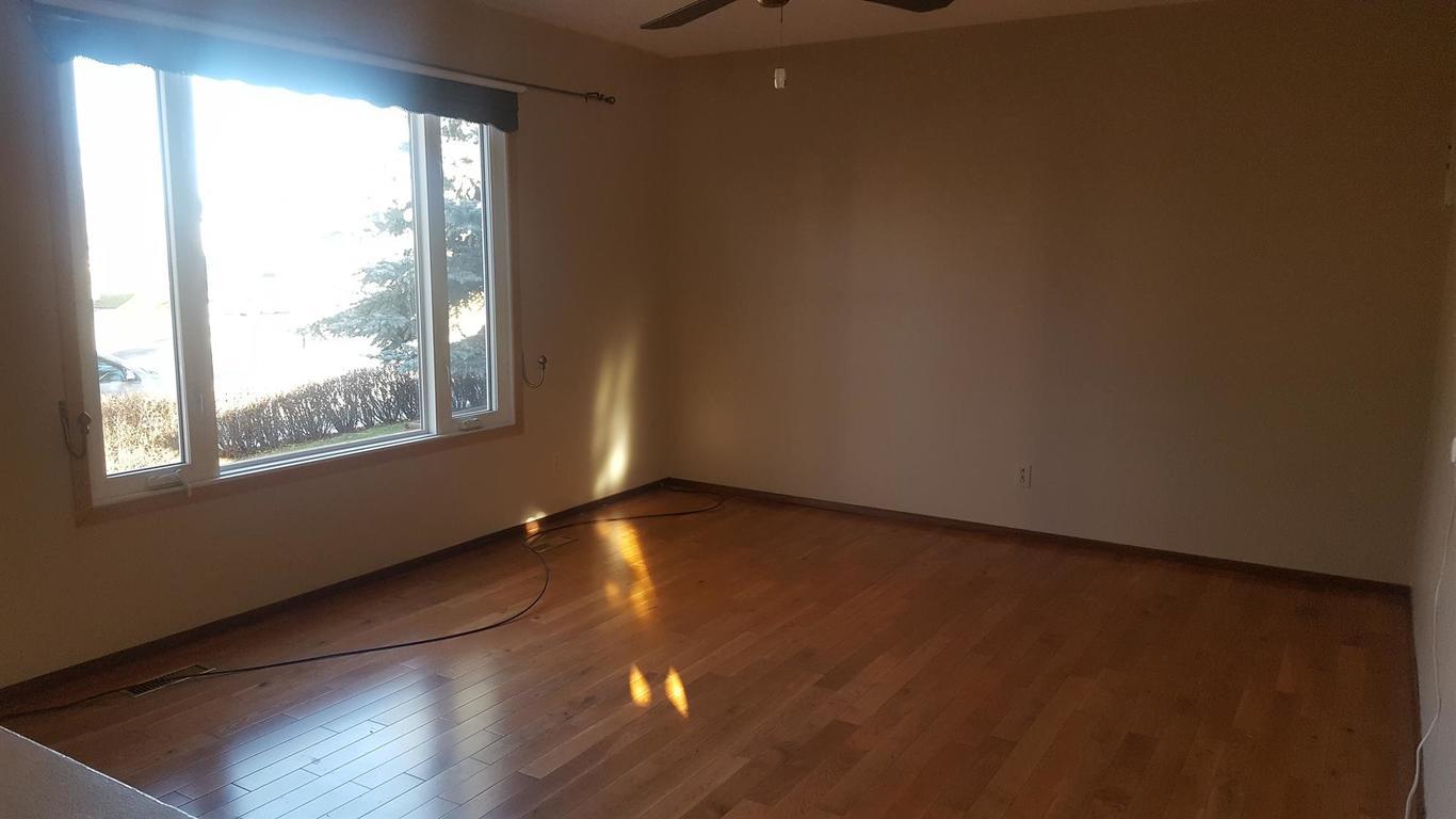 Olds 3 bedroom Duplex