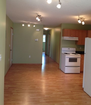 Olds 3 bedroom Apartment