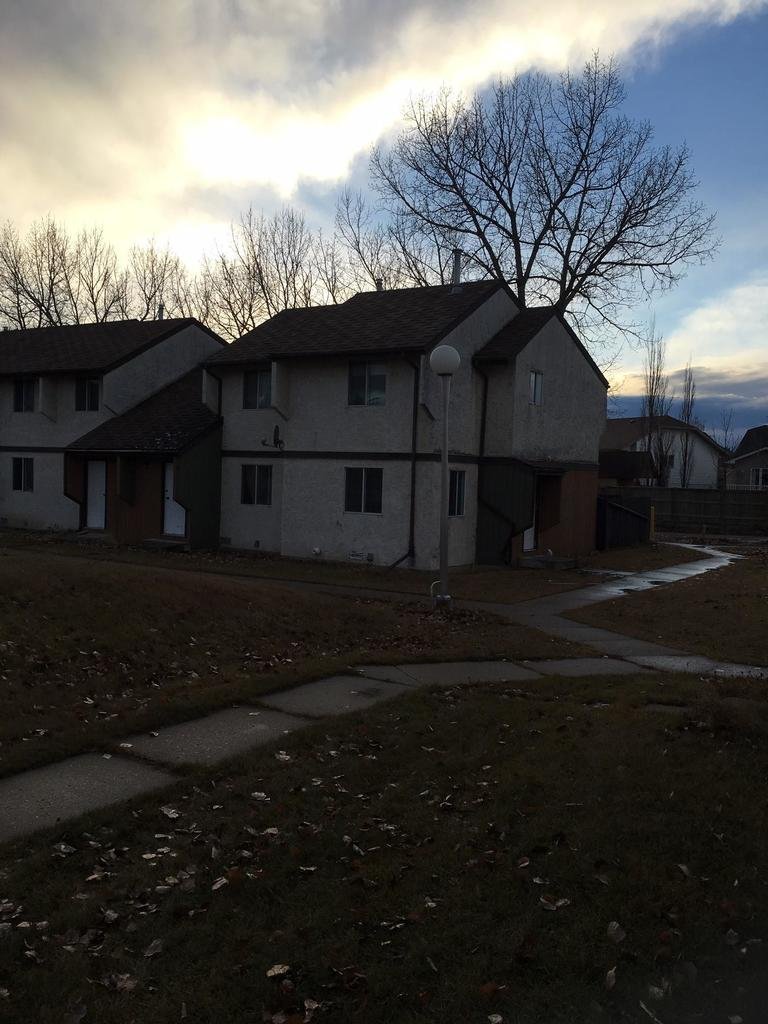 Olds Alberta Townhouse For Rent