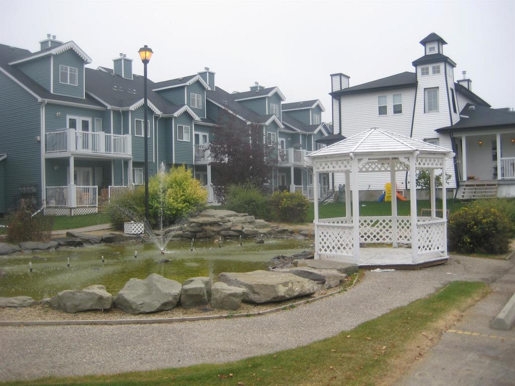 Sylvan Lake Townhouse