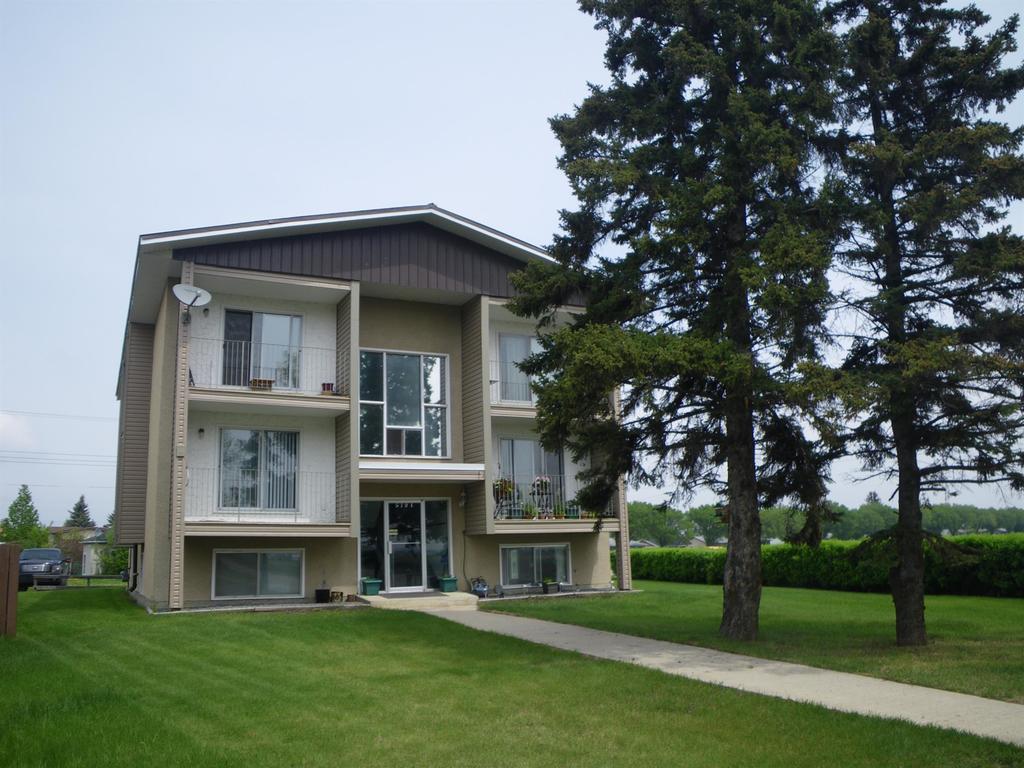 Lacombe Alberta Apartment For Rent