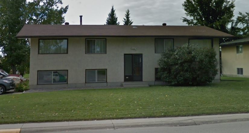 Carstairs Apartment for rent, click for more details...