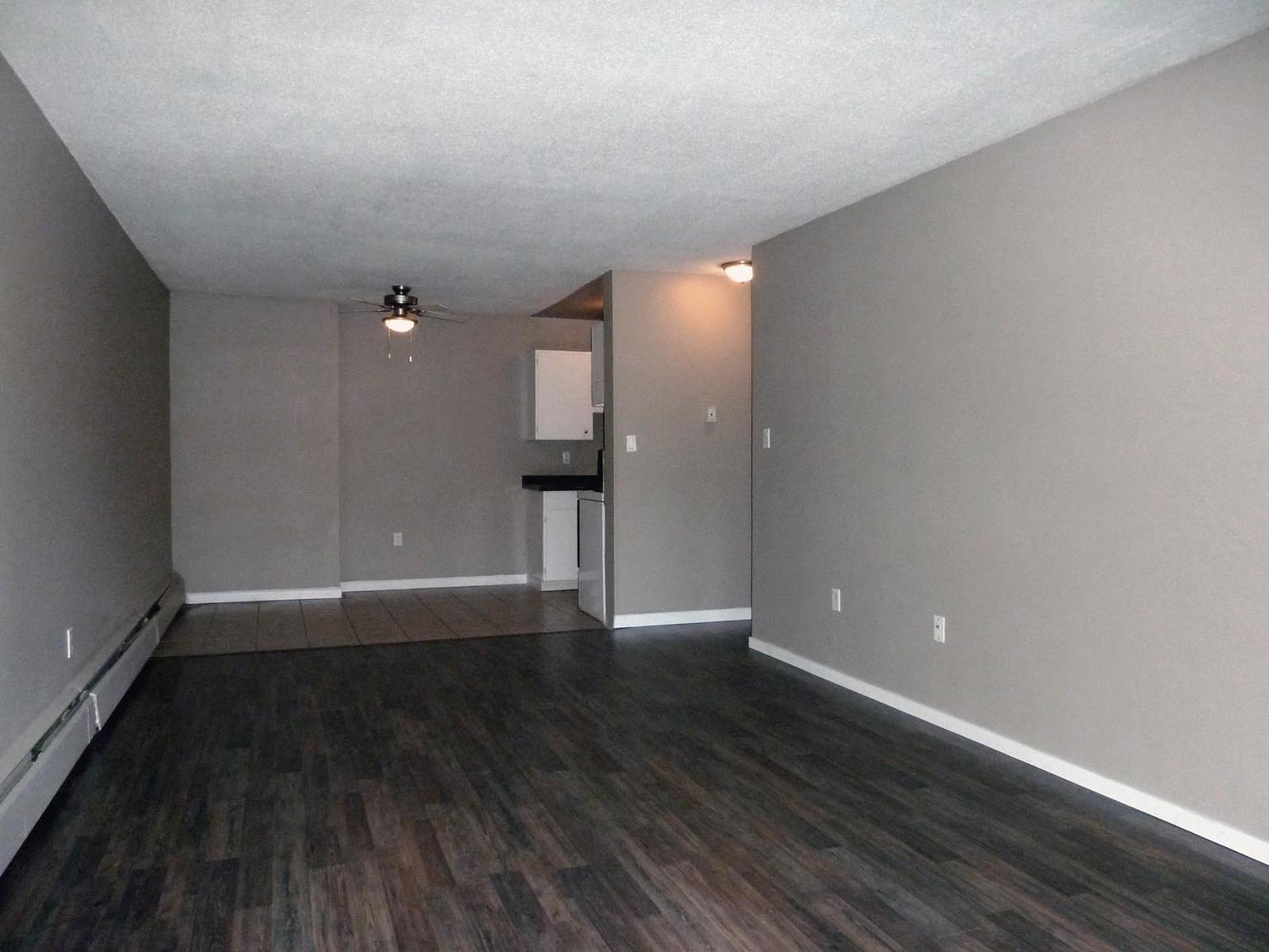 9450 128 Street, Surrey, BC - $1,500 CAD/ month