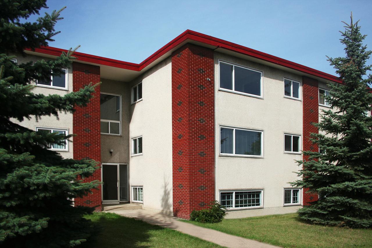 12220 82 Street NW, Edmonton, AB - $725