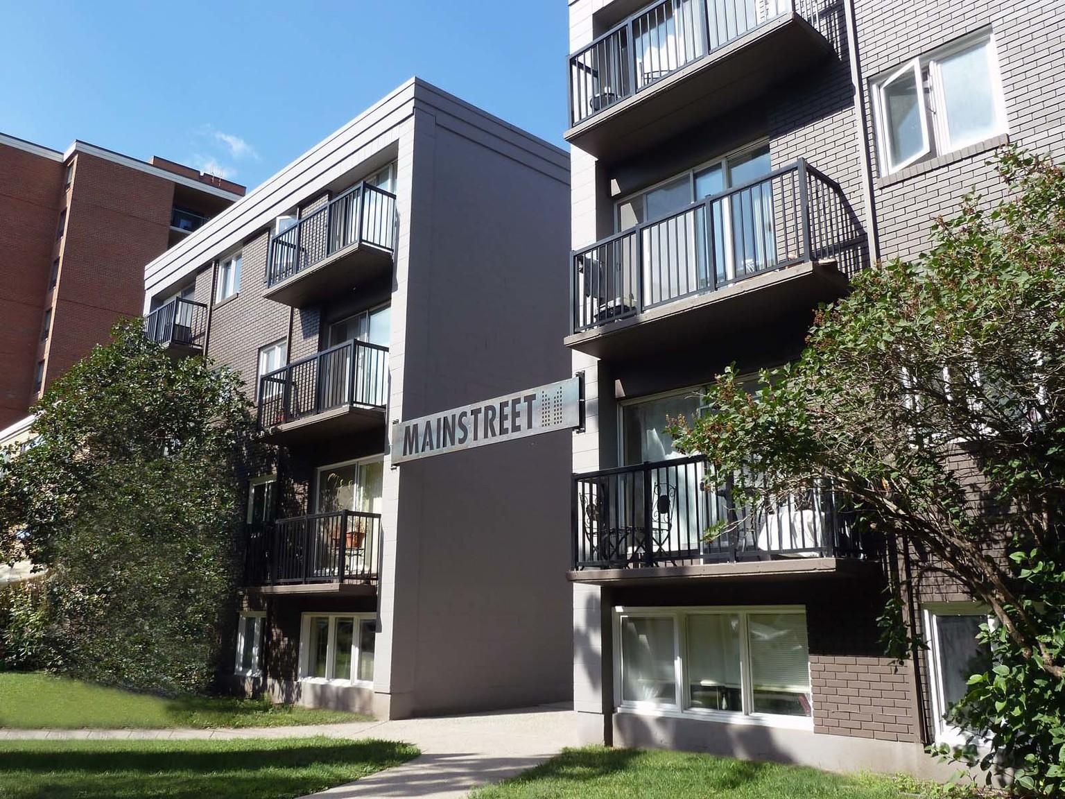 528 15 Ave SW, Calgary, AB - $875