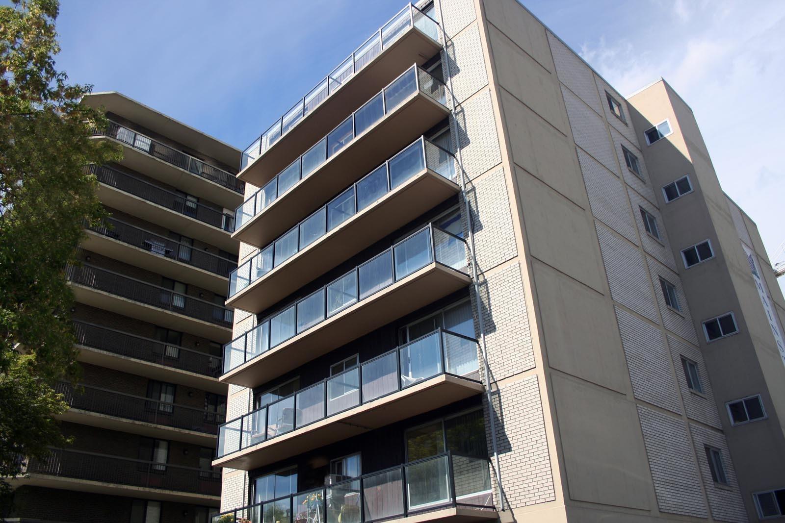 211 14 Avenue SW, Calgary, AB - $925