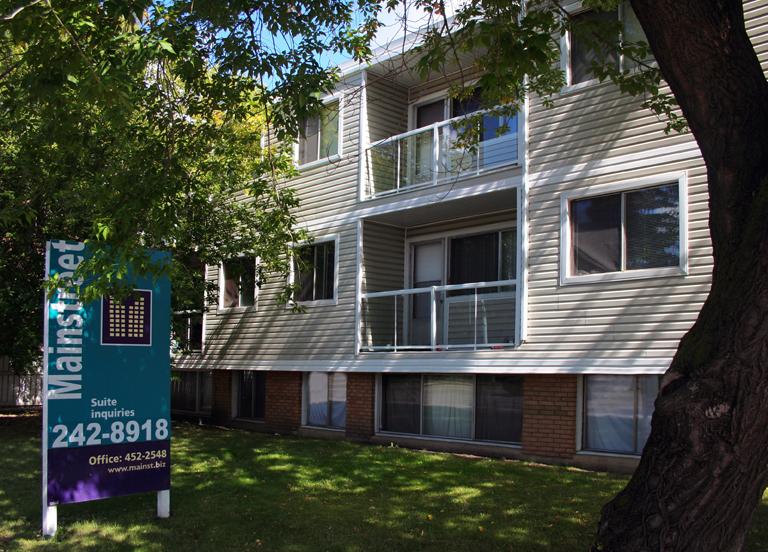 11615 124 Street NW, Edmonton, AB - $750