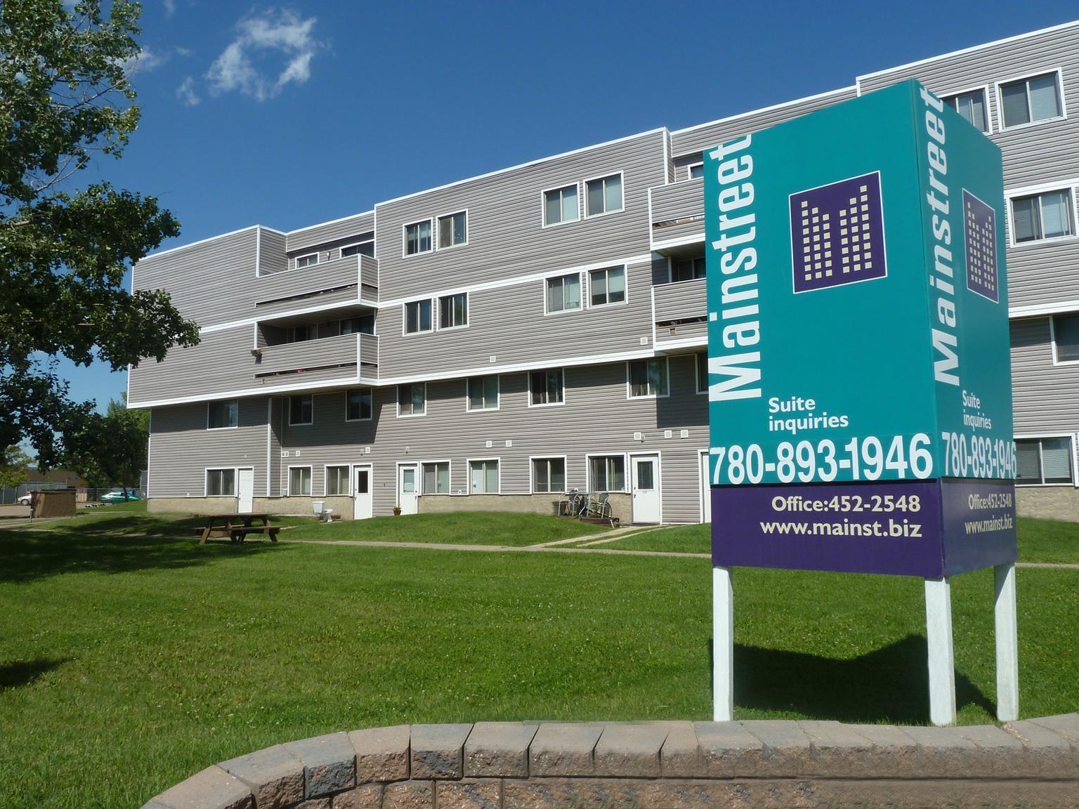 2606 139 Avenue NW, Edmonton, AB - $1,075