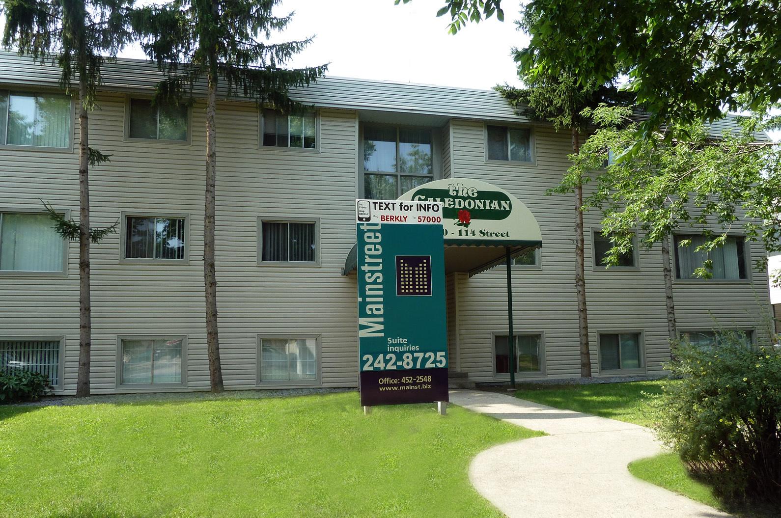 10810 114 Street NW, Edmonton, AB - $950