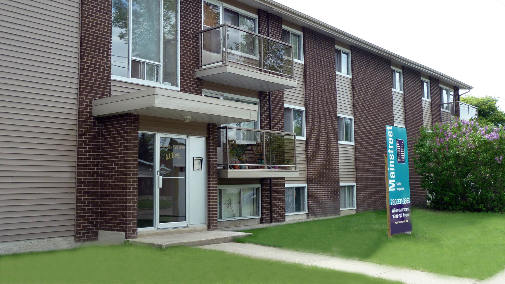 10303 120 Avenue NW, Edmonton, AB - $849