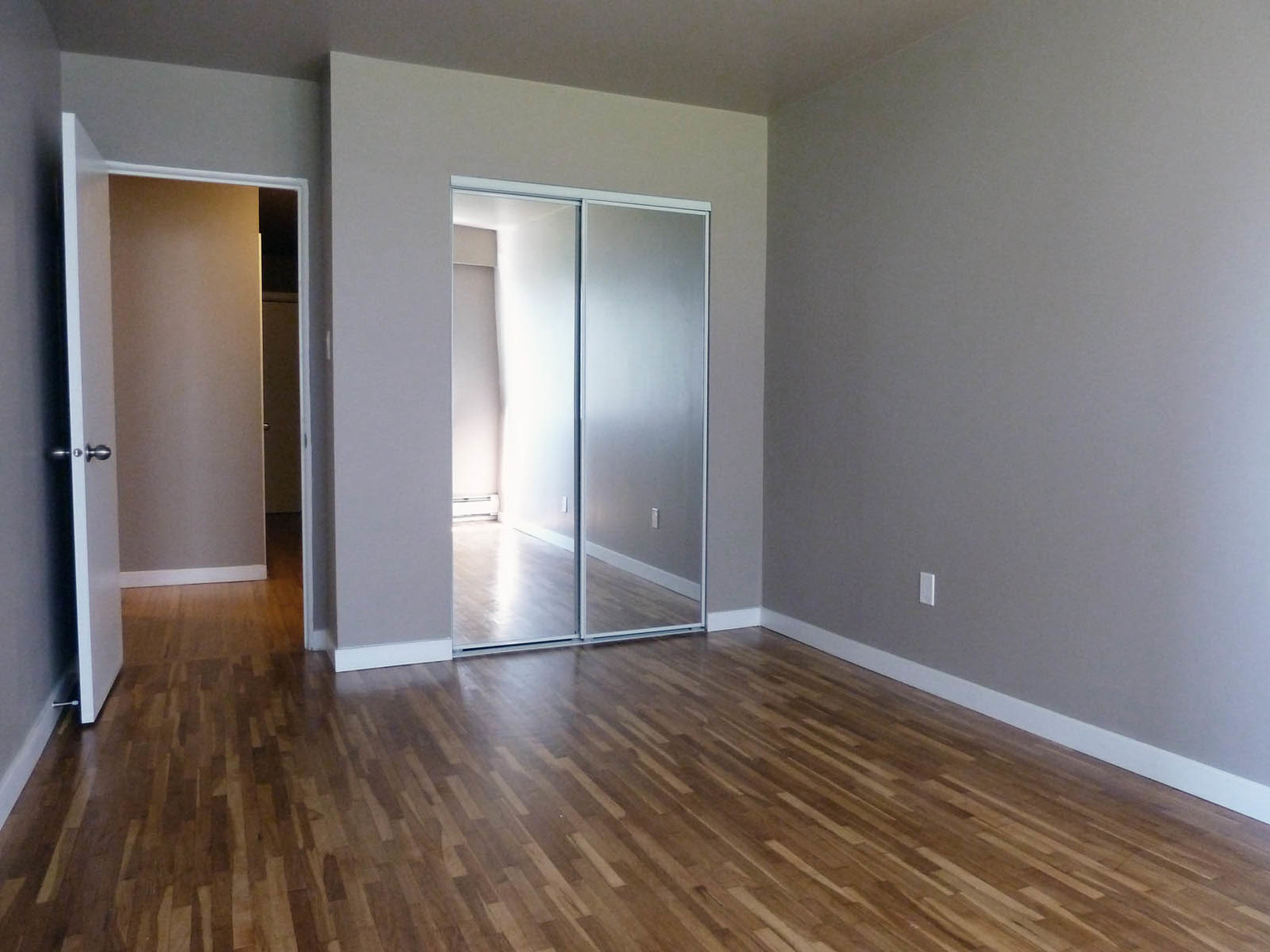 1211 Cameron St., New Westminster, BC - 1,425 CAD/ month