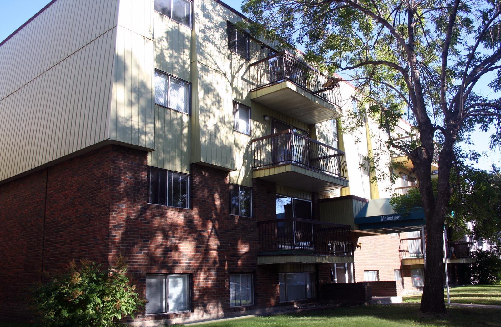 10723 102 Street NW, Edmonton, AB - $775