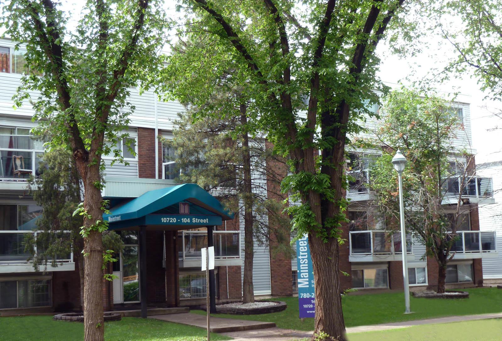 10720 104 Street NW | 10730 104 Street NW, Edmonton, AB - $799