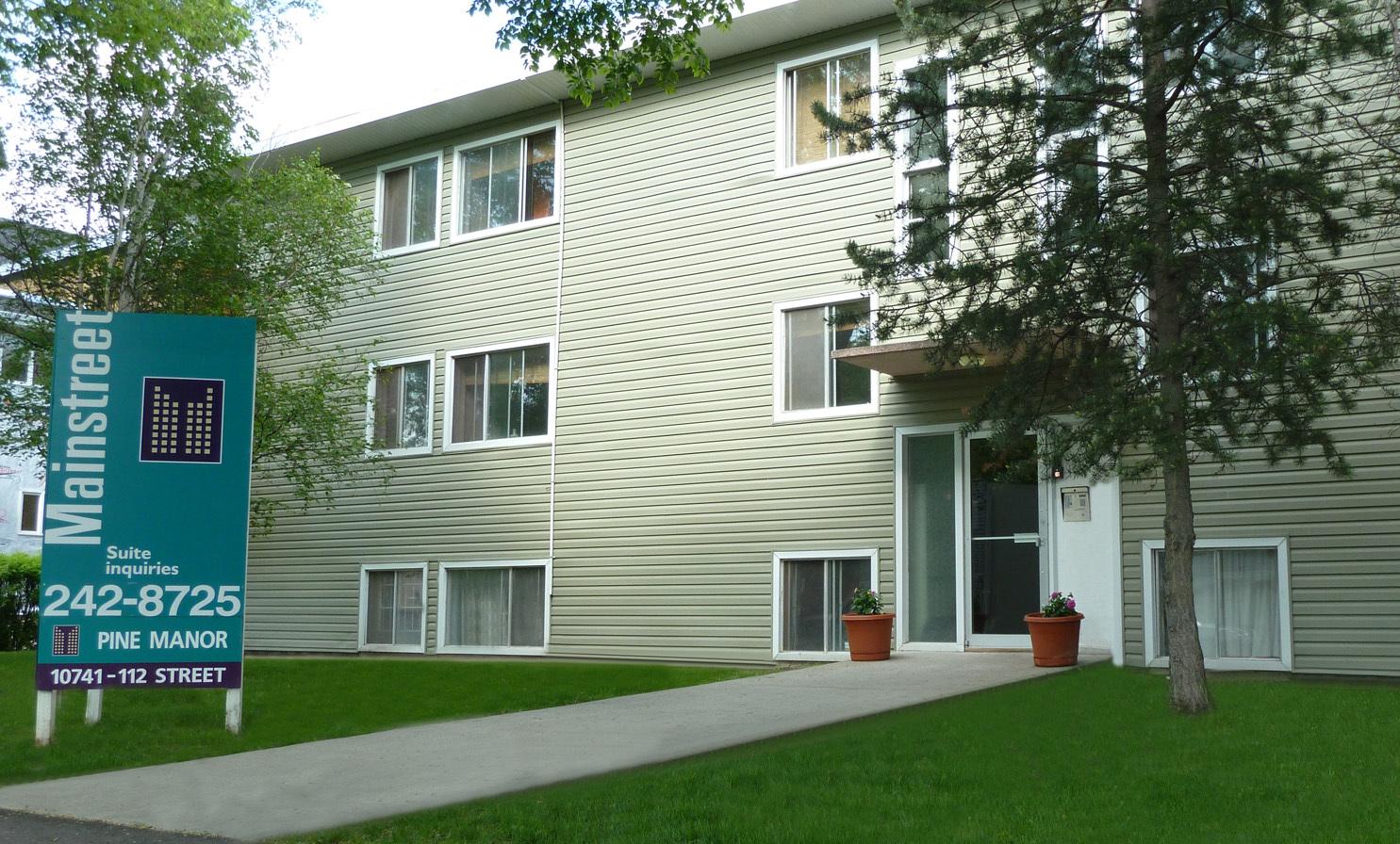 10741 112 Street NW, Edmonton, AB - $725