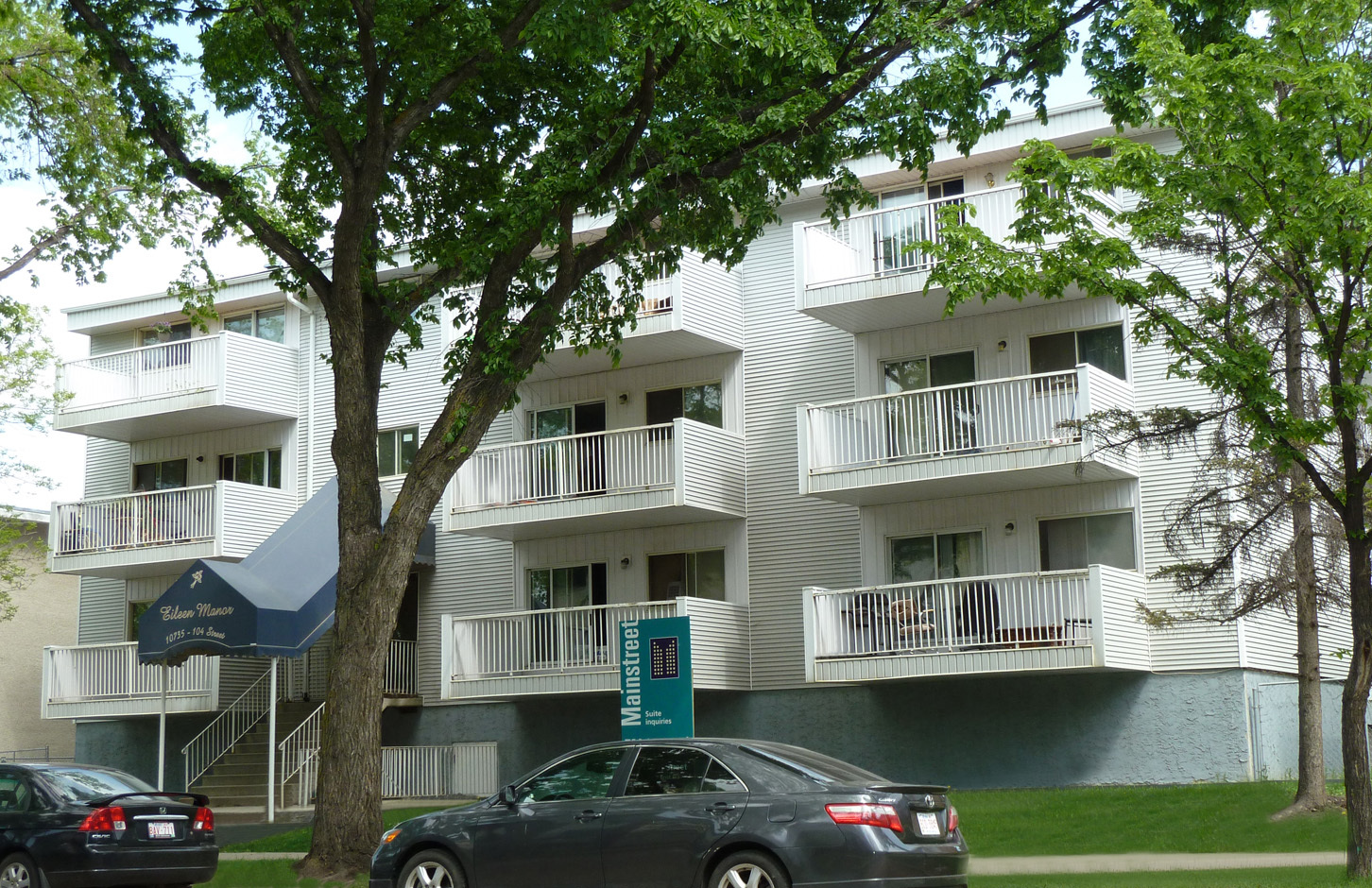 10735 104 Street NW, Edmonton, AB - $825