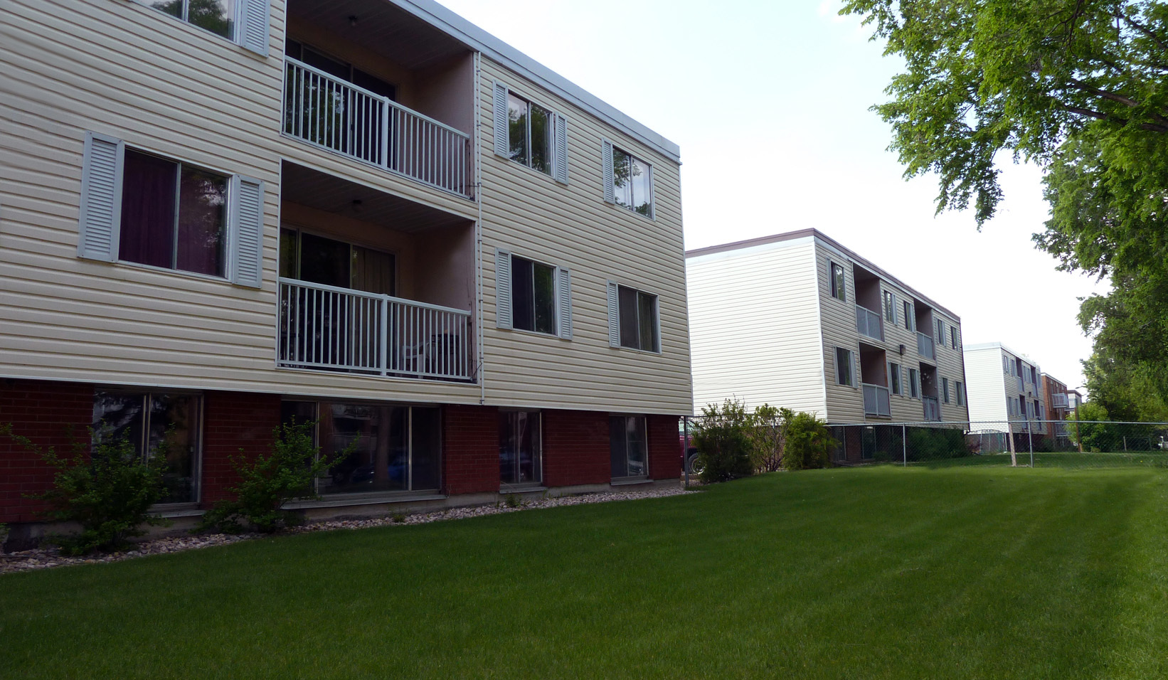 10710 110 Street NW, Edmonton, AB - $699
