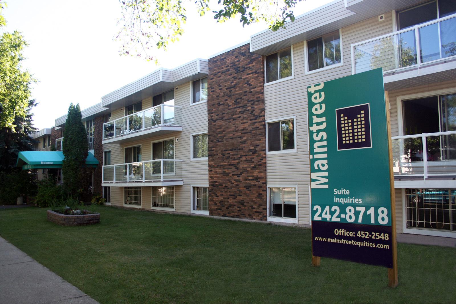 10638 106 Street NW, Edmonton, AB - $799