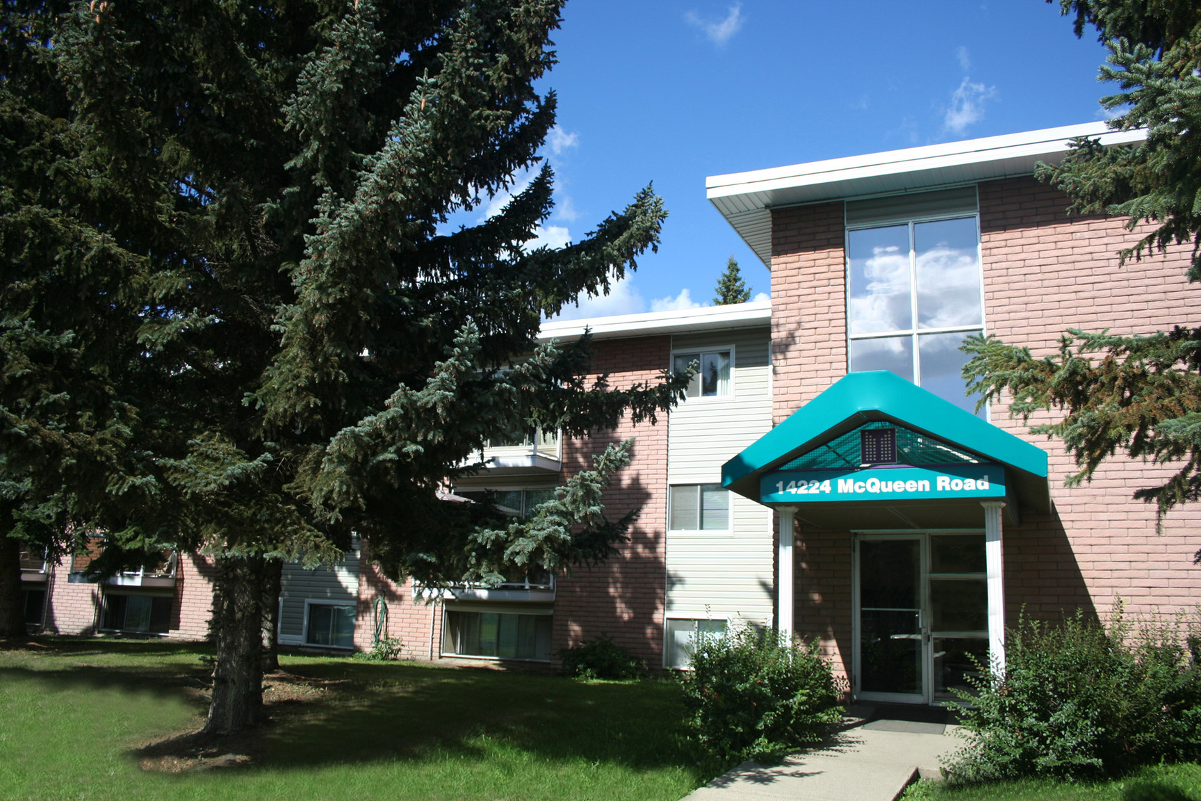 14224 McQueen Rd NW, Edmonton, AB - $1,320 CAD/ month