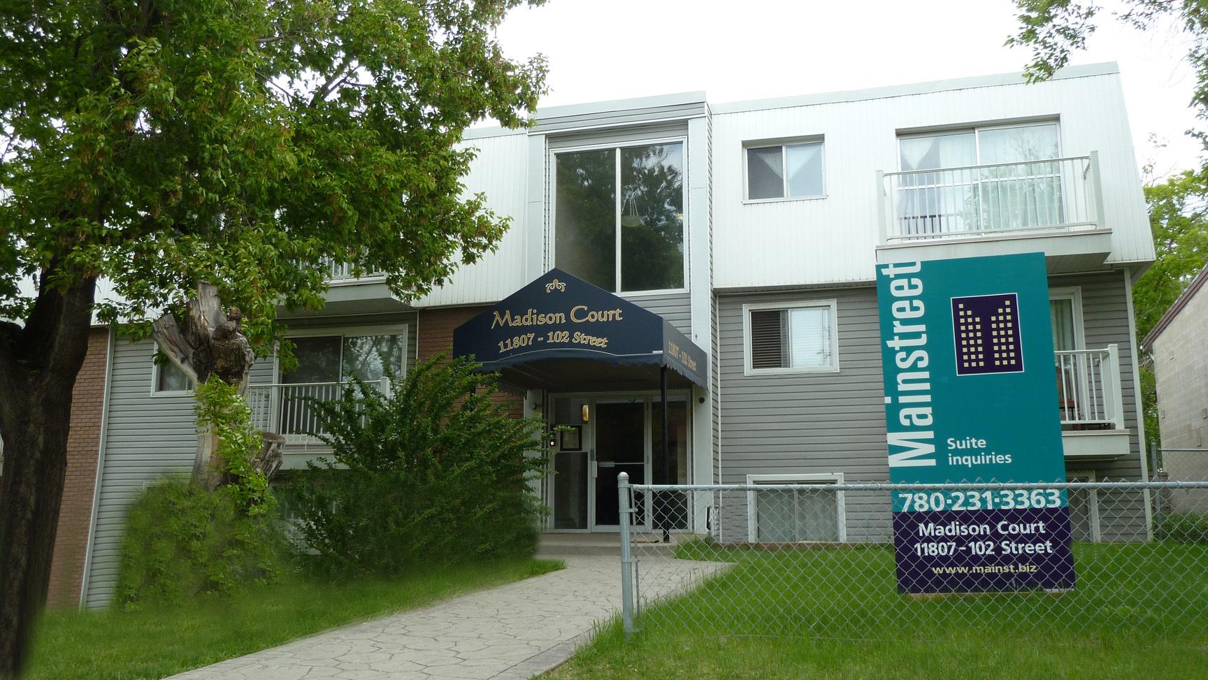 11807 102 Street NW, Edmonton, AB - $850