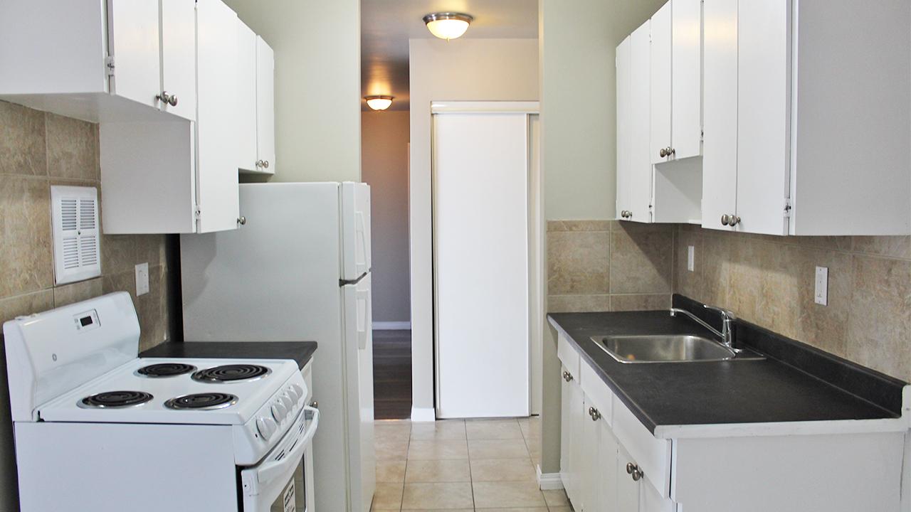 11919 105 Street NW, Edmonton, AB - $845