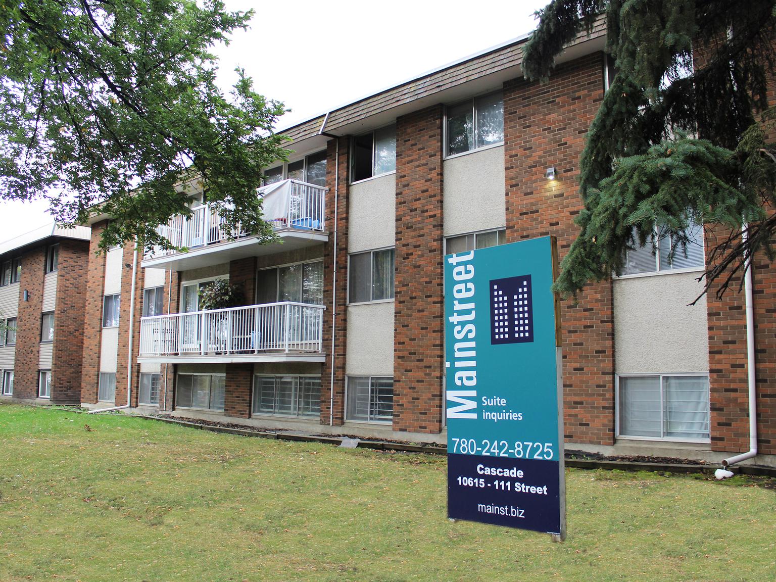 10615 111 Street NW, Edmonton, AB - $725