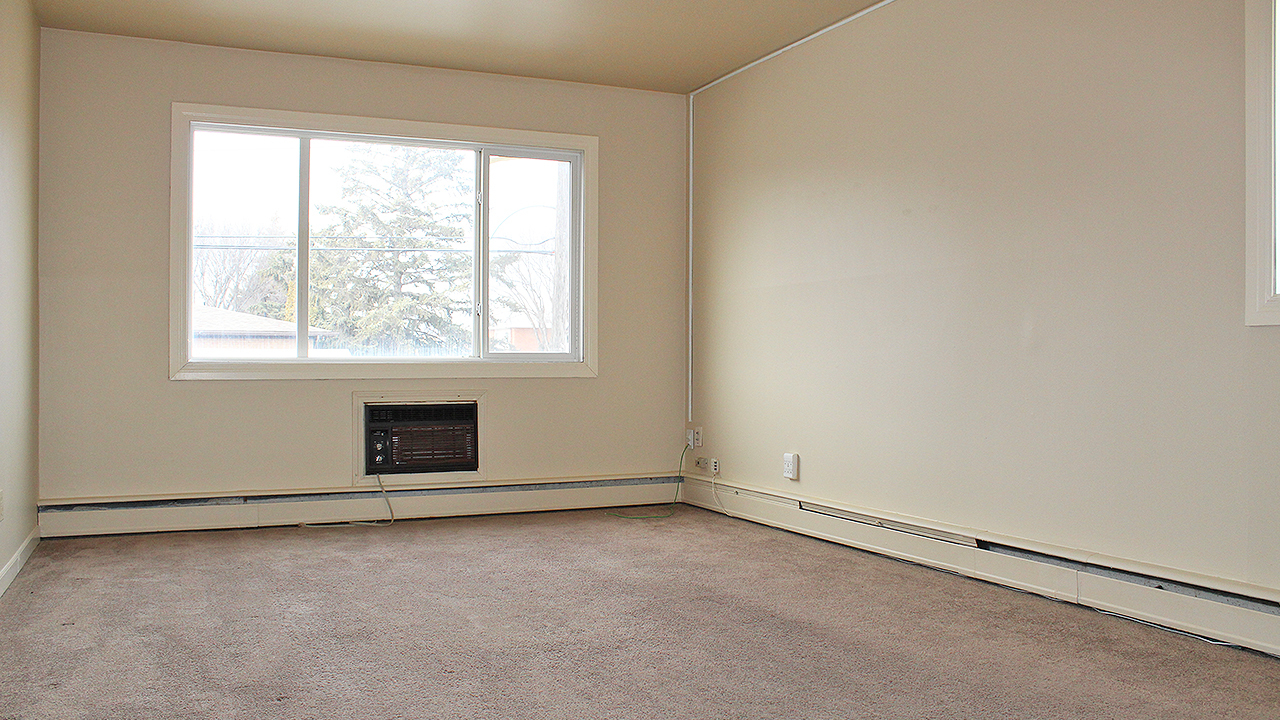 2915 Parliament Ave, Regina, SK - $1,504