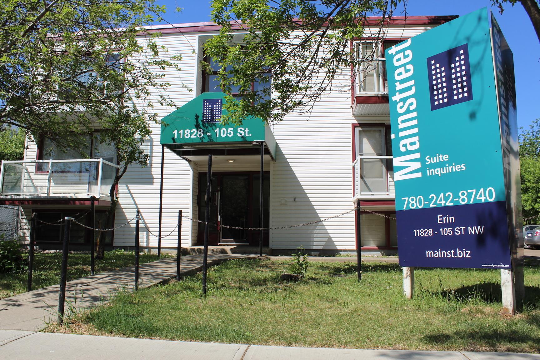 11828 105 Street NW, Edmonton, AB - $1,070