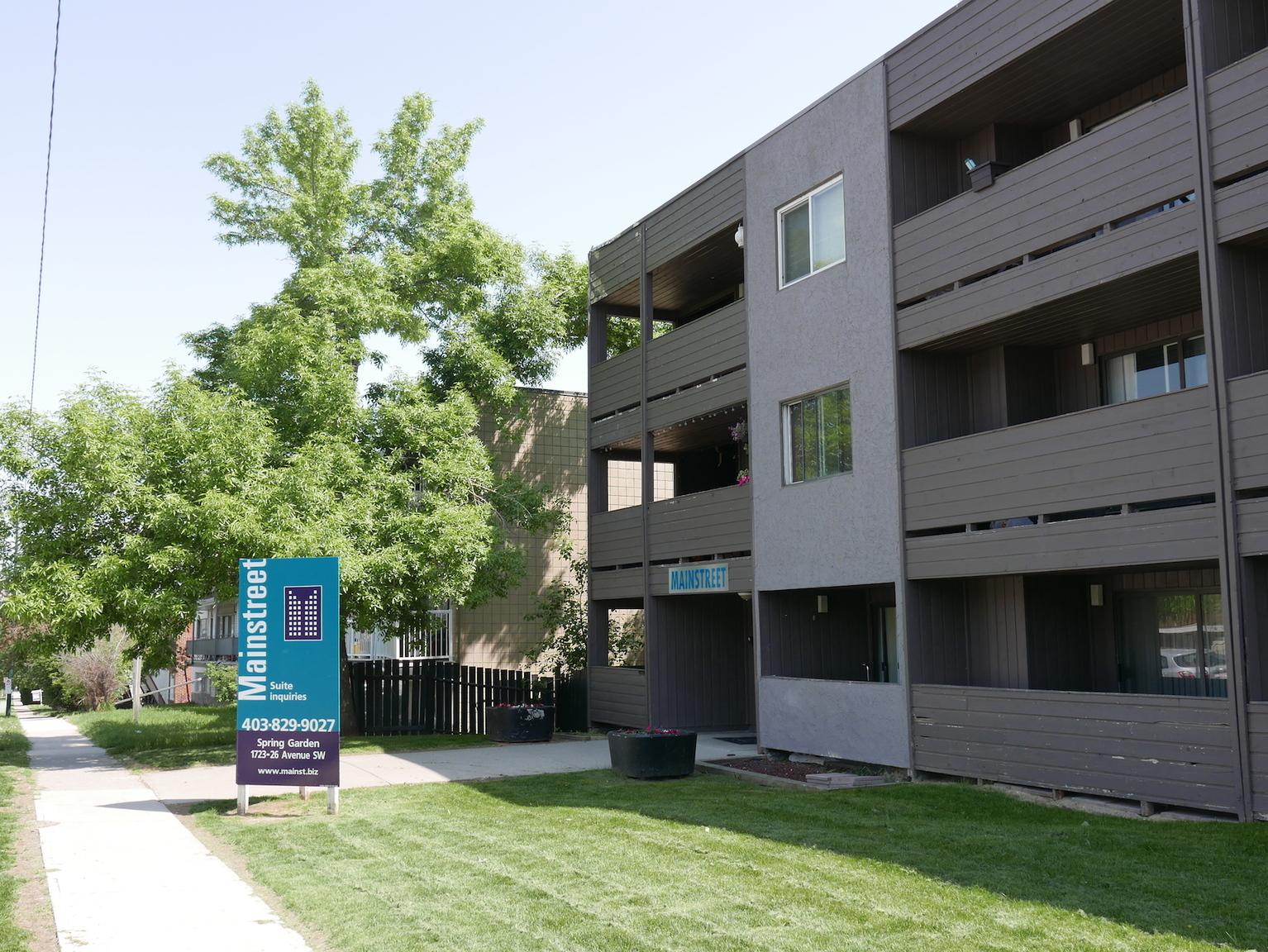 1723 26 Avenue SW, Calgary, AB - 950 CAD/ month