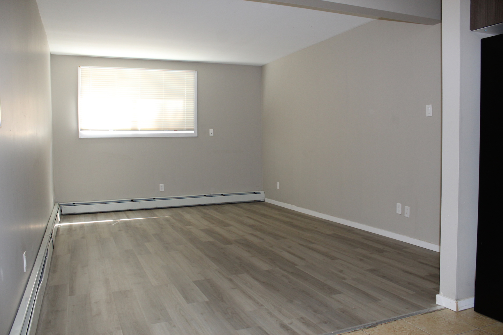2014 20 Street W, Saskatoon, SK, S7M1A6 - Apartment for ...
