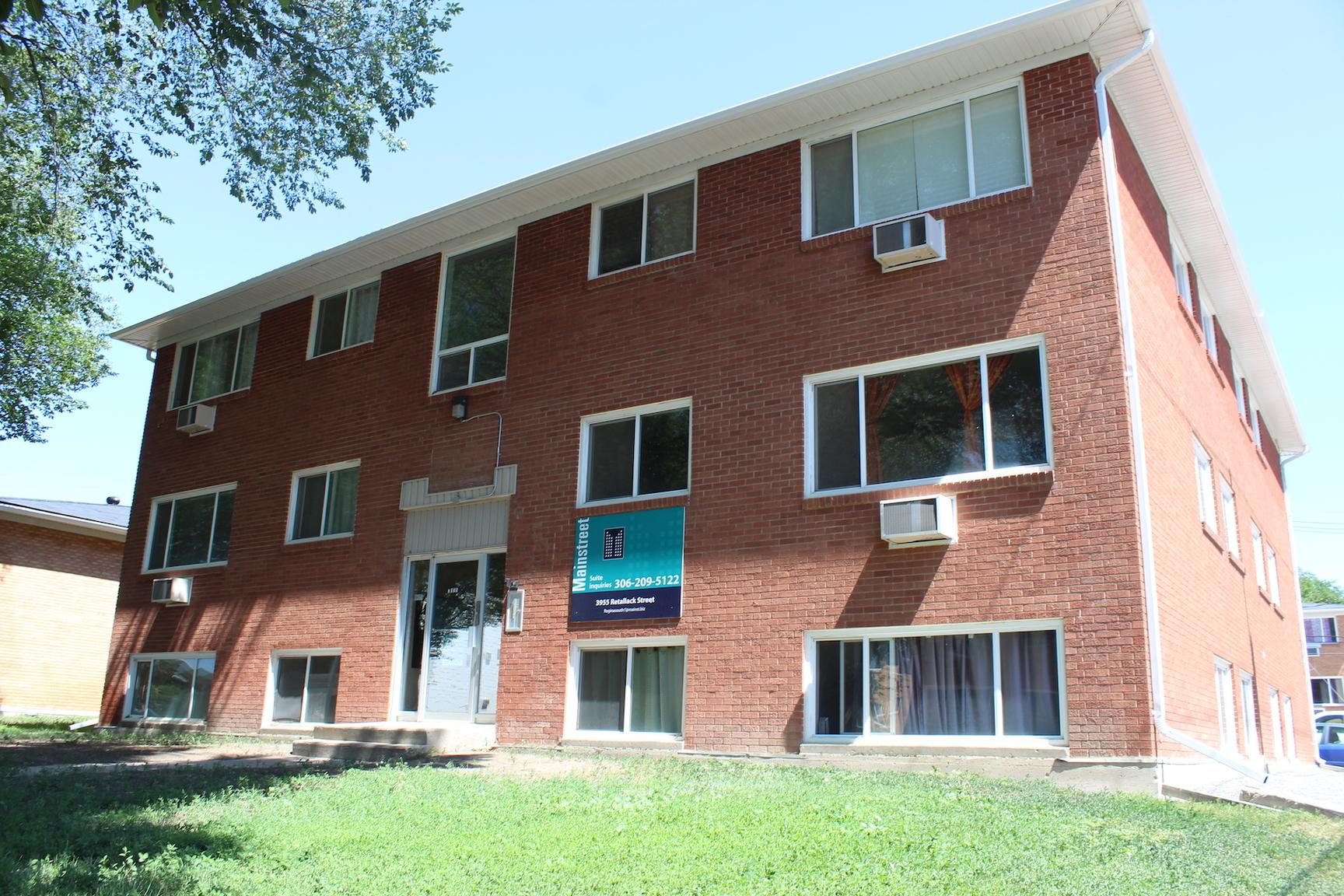 3955 Retallack Street, Regina, SK - $799