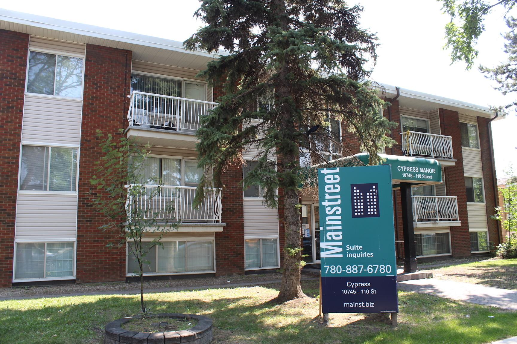 10745 110 Street NW, Edmonton, AB - $750