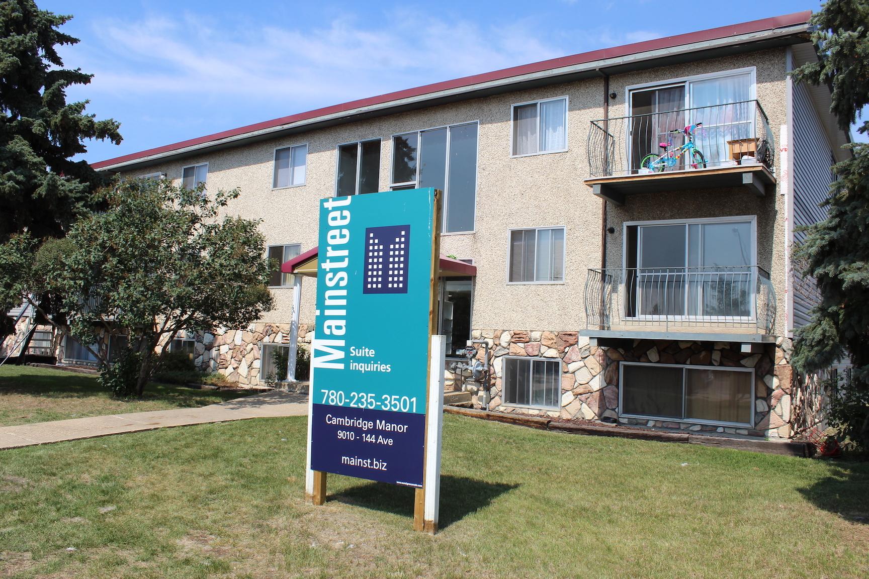 9010 144 Ave NW, Edmonton, AB - $1,050