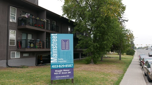 1431 37 Street SW, Calgary, AB - $1,300