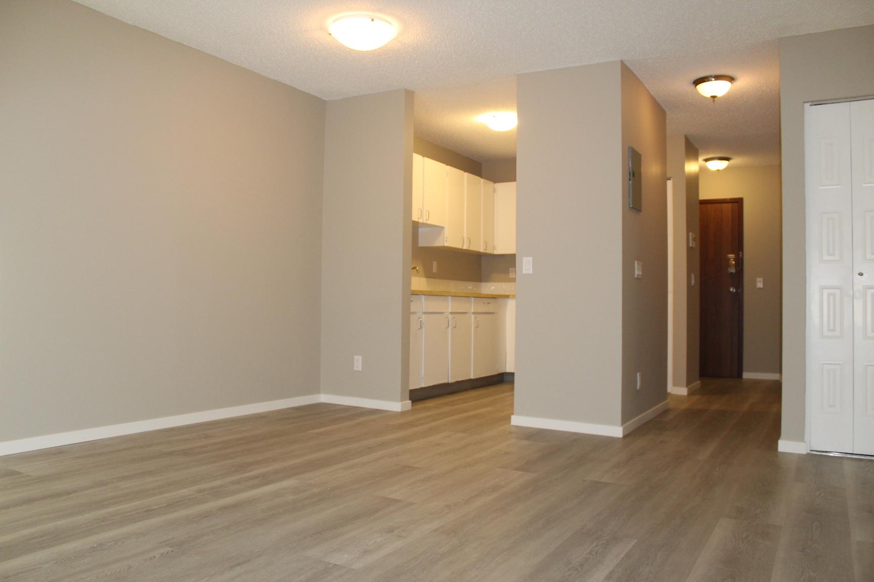 419 1 Ave NE, Calgary, AB - $950