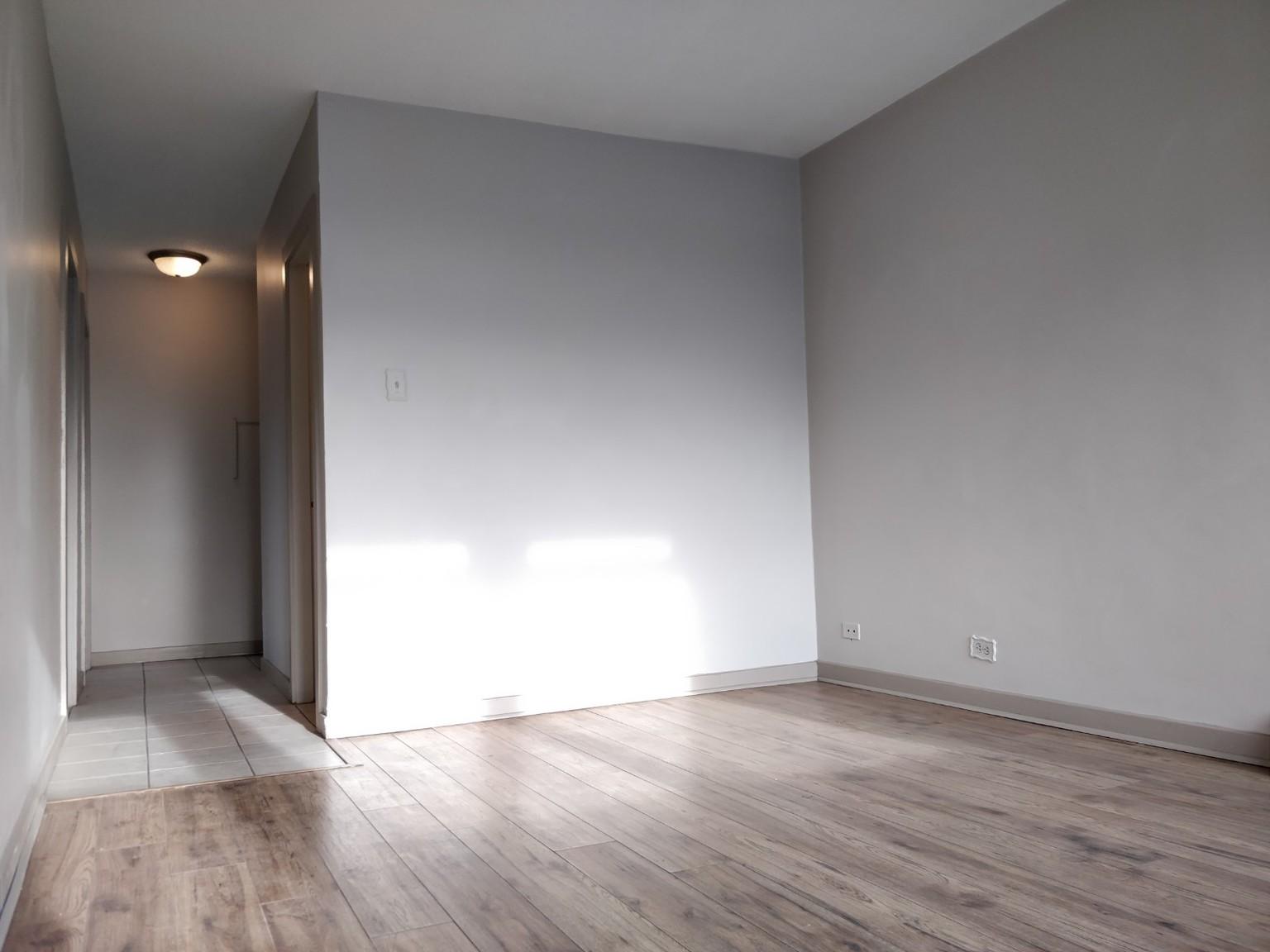 1424 Victoria Ave, Regina, SK - $650