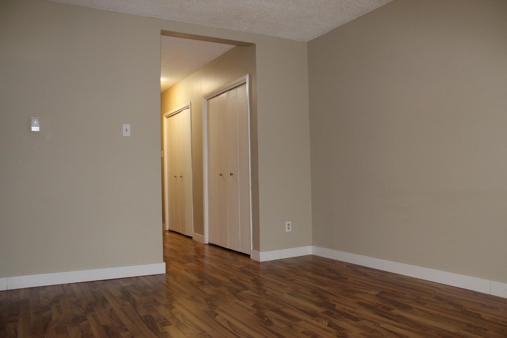 324 4 Ave NE, Calgary, AB - $1,100 CAD/ month