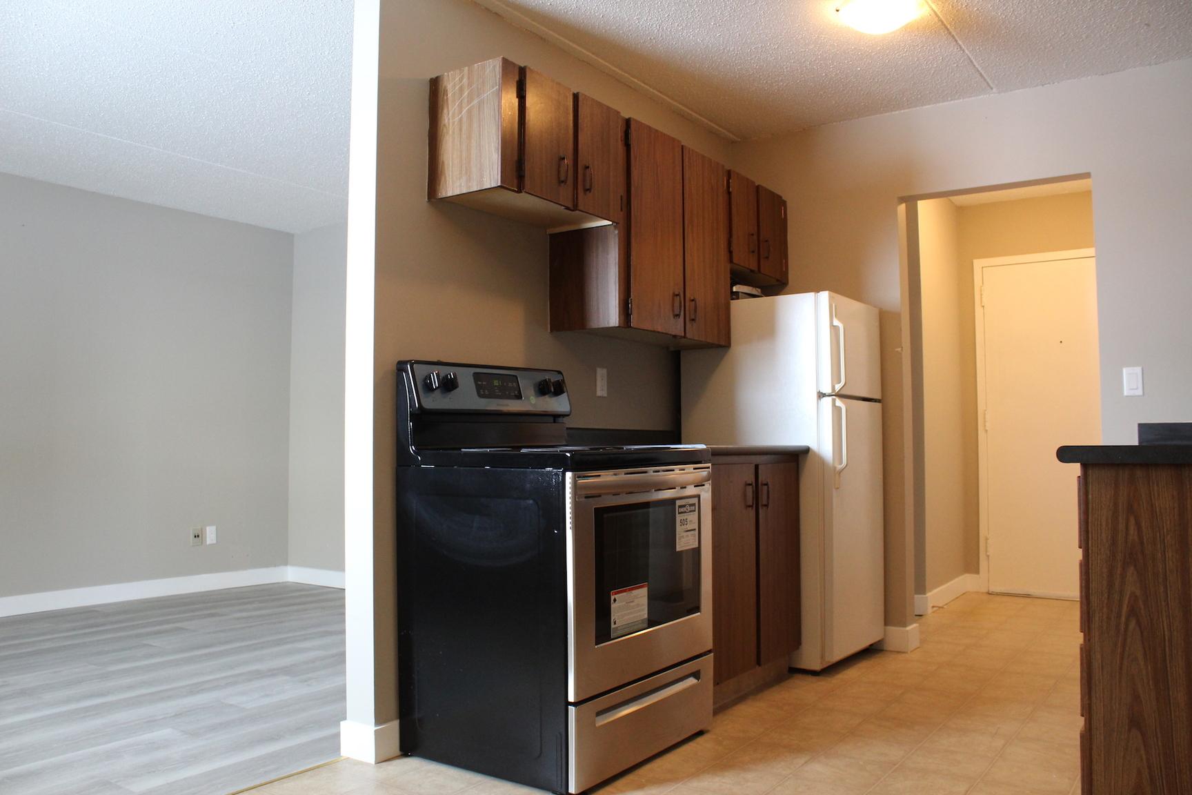 27 Kleisinger Crescent, Regina, SK - $964 CAD/ month