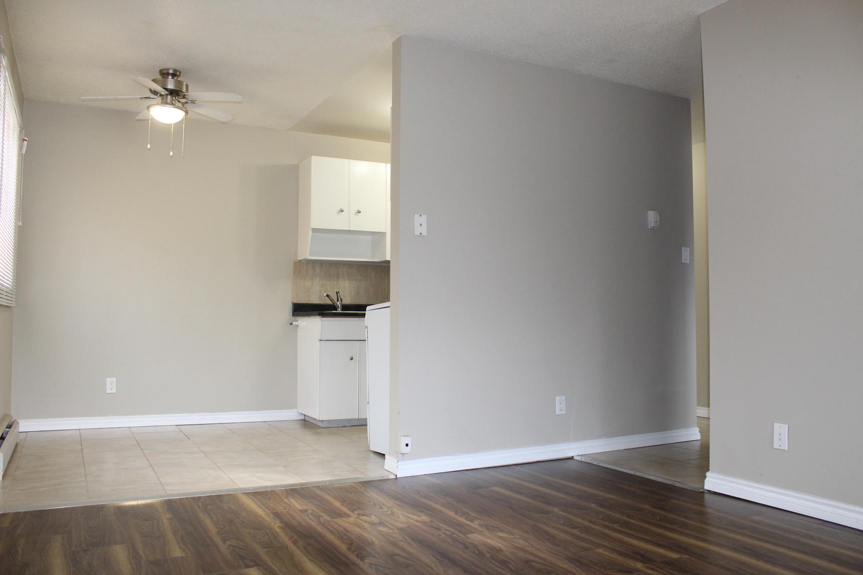 15216 100 Avenue NW, Edmonton, AB - $825