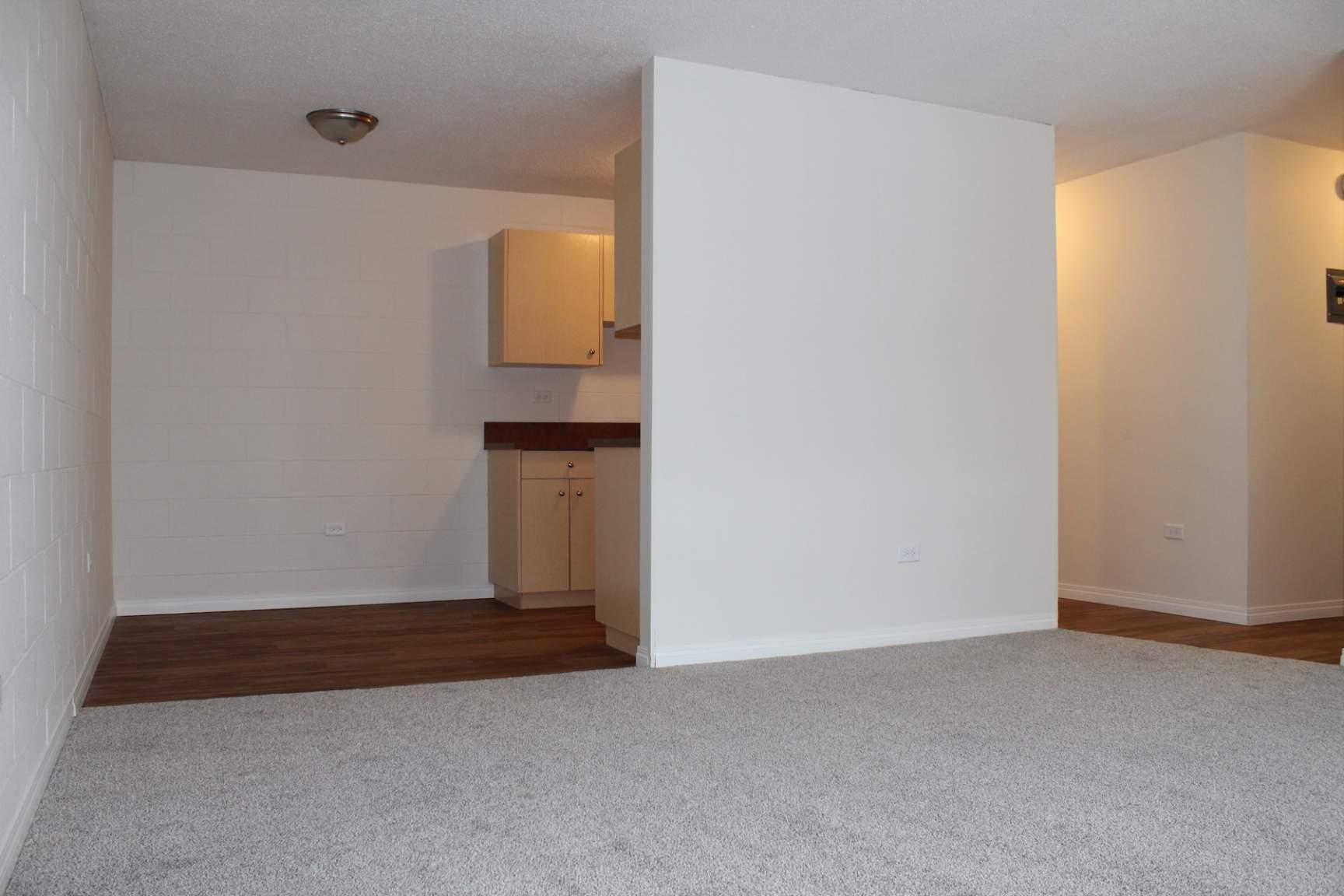 3908 16 St SW, Calgary, AB - $975